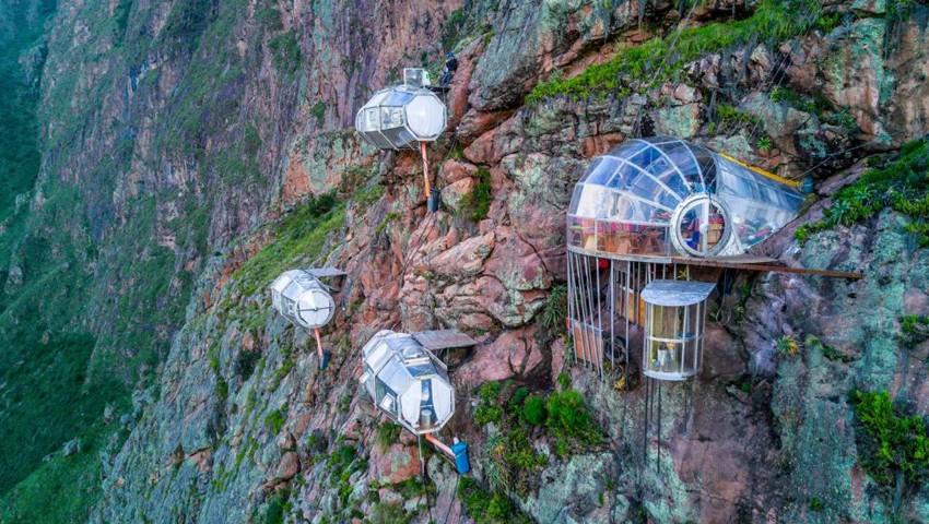 Отель на скале