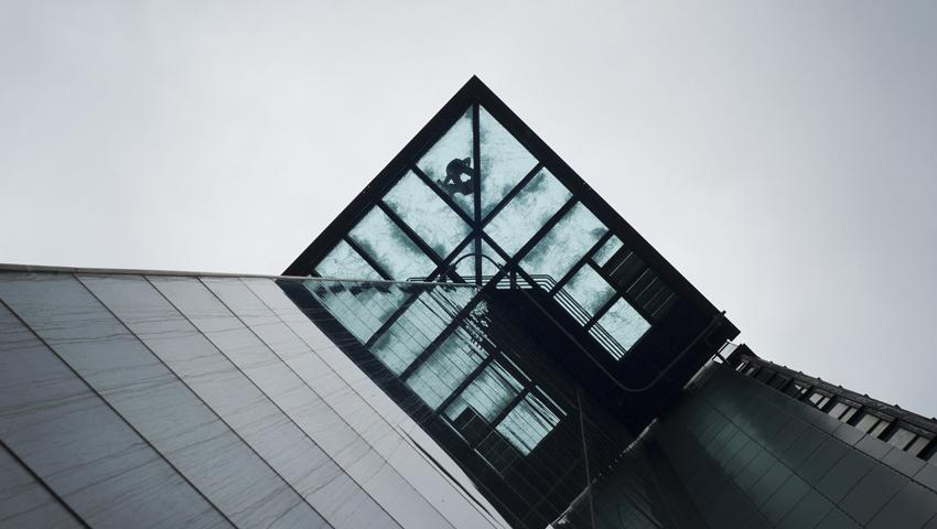 Стеклянный лифт доставит туристов почти на 400 метров над Нью-Йорком